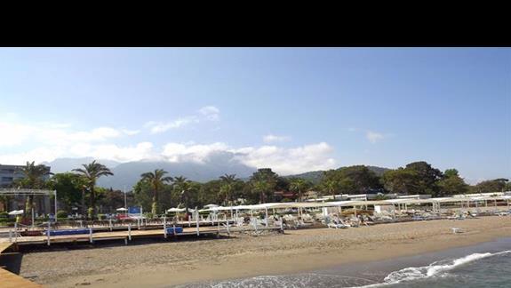 Plaza z widokiem na góry Taurus w hotelu Mirada del Mar
