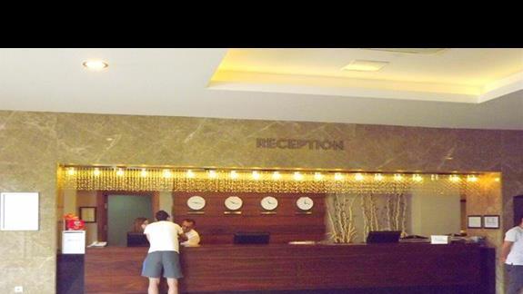 Recepcja w hotelu Ramada Resort Lara