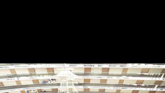 Lobby widziane z góry w hotelu Delphin Imperial