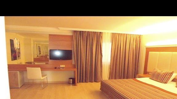 Sypialnia w pokoju rodzinny w hotelu Pegasos Resort