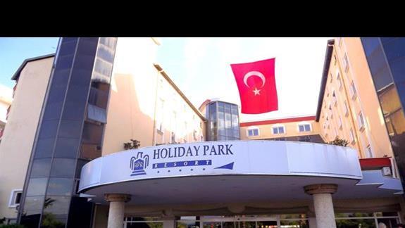 Hotel Holiday Park Resort od frontu