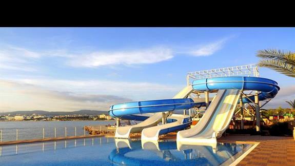 Zjezdzalnie w hotelu Sentido Gold Island
