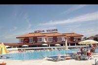Hotel Eftalia Village - Basen rekreacyjny i budynek glówny w hotelu Eftalia Village