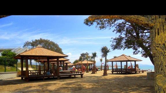 Strefa relaksu przy plazy hotelu Eftalia Aqua