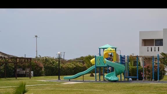 Plac zabaw w hotelu Akti Beach Club