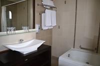 Hotel Gaia Palace - Lazienka w hotelu Gaia Palace