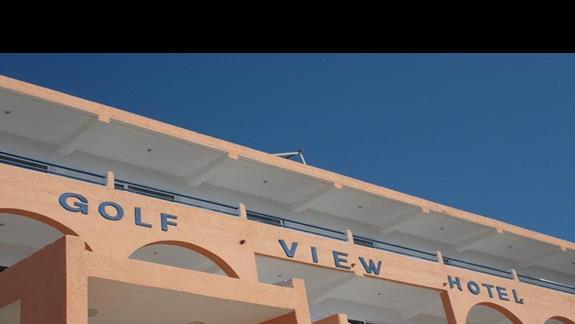 Wejście główne do hotelu Golf View Resort