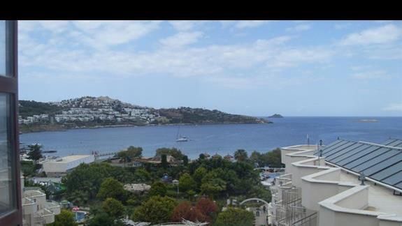 widok z balkonu hotelu Golden Age