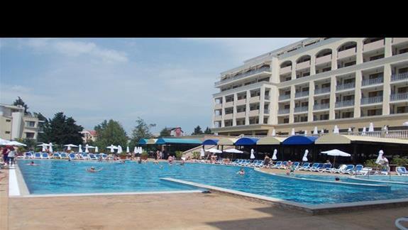 Sol Nessebar Palace/Mare basen
