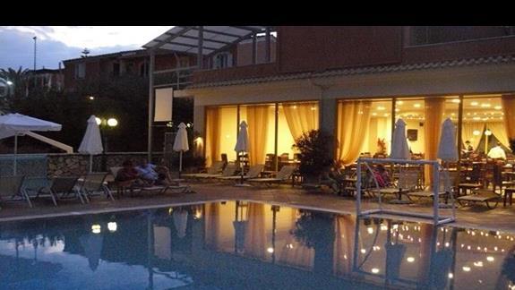 Wieczór w hotelu
