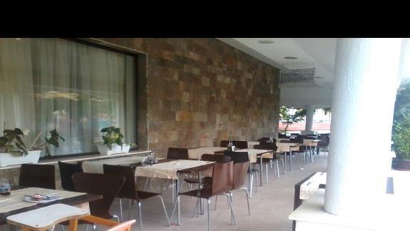 Zewnetrzna czesc restauracji Casablanca
