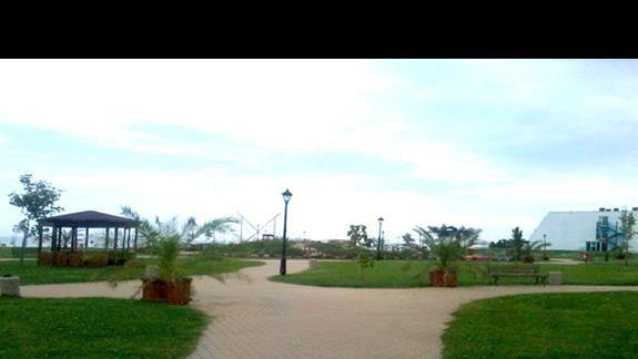 Dojscie do plazy z hotelu Casablanca