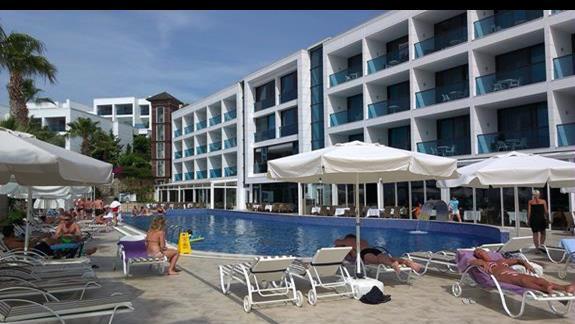 Delta Beach Resort baseny