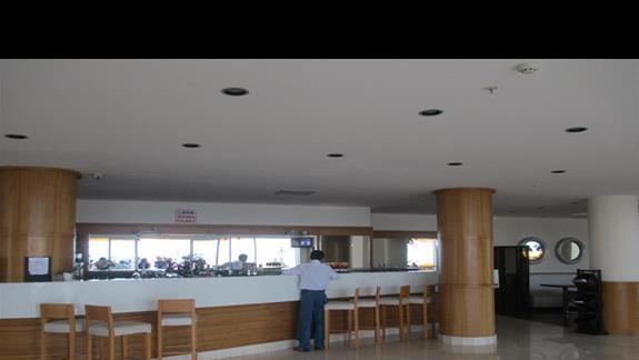 Kefaluka Resort lobby bar