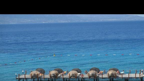 Kefaluka Resort platformy do opalania