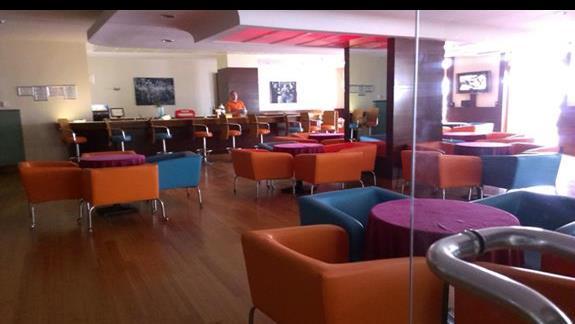 La Blanche Resort bar