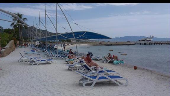 La Blanche Resort plaza