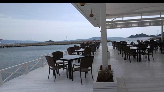 La Blanche Resort restauracja wloska na plazy