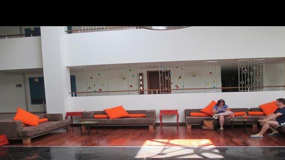 Isil Club lobby