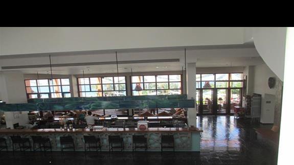 Isil Club lobby bar