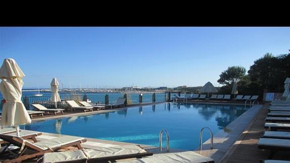 Didim Beach Resort basen relaksacyjny
