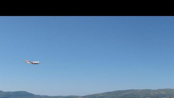 """a tak wyglada plaza """"w zasiegu reki"""", samoloty ladujace na pobliskim lotnisku nie zaklócaly spokoju"""