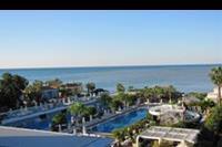 Hotel Meryan - Boczny widok na morze.