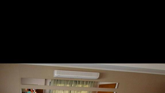 Apartament - sypialnia z lózkiem malzenskim