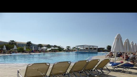 Basen w hotelu Aquis Sandy Beach