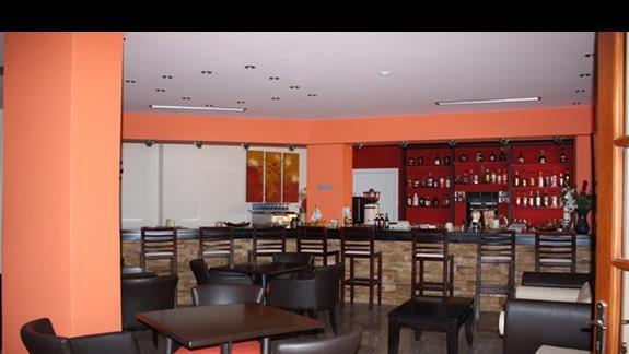 Bar w hotelu Belle Helene