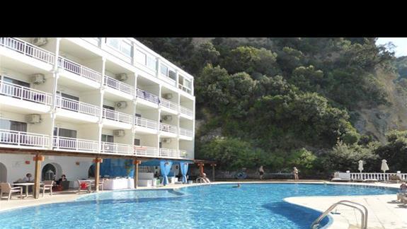 Basen w hotelu Aquis Agios Gordios