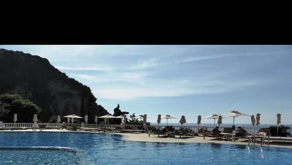 Basen w w hotelu Aquis Agios Gordios