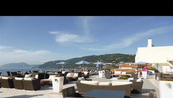 Bar w hotelu Aquis Agios Gordios