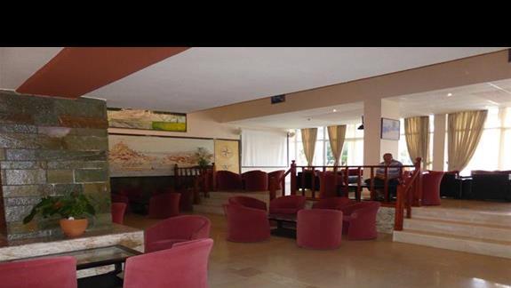 Lobby w hotelu Angela Beach