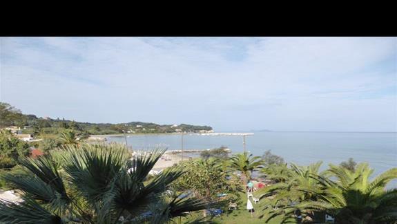 Widok z tarasu w hotelu Angela Beach