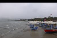 Hotel Roda Beach Resort & SPA - Plaza przy hotelu Mitsis Roda Beach Resort