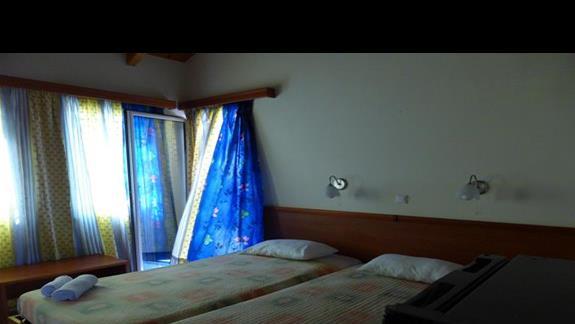 Pokój standardowy w hotelu Cyprotel Almyros