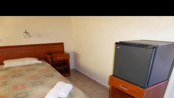 Pokój standadowy w hotelu Cyprotel Almyros