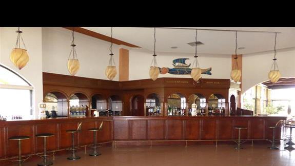 Bar w lobby w hotelu Gelina Village