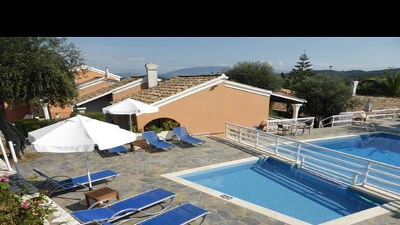 Basen w hotelu Memento Kassiopi Resort