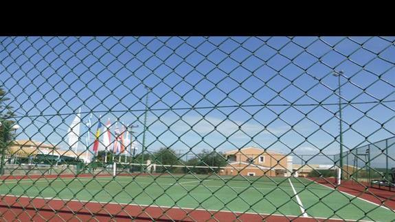 Kort tenisowy w hotelu Memento Kassiopi Resort
