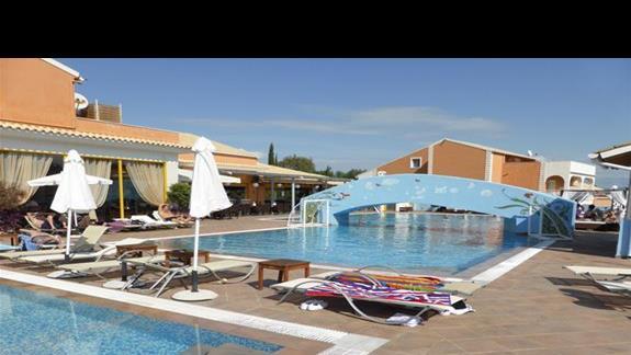 Glówny basen w hotelu Memento Kassiopi Resort
