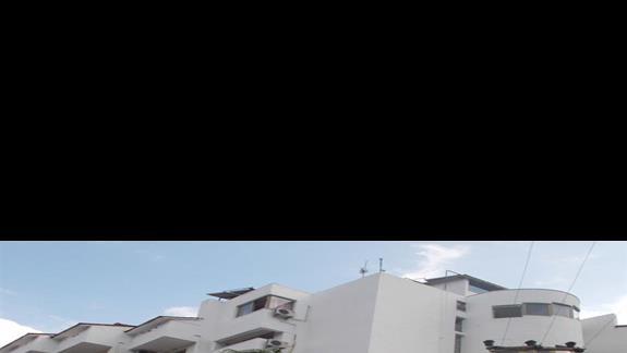 Widok hotelu z zewątrz