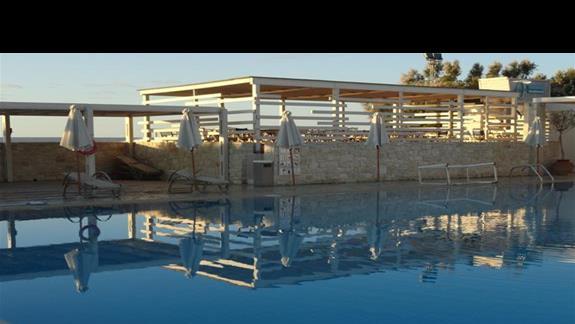 Ostria Beach - basen