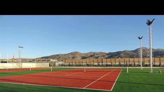 Ostria Beach - kort tenisowy