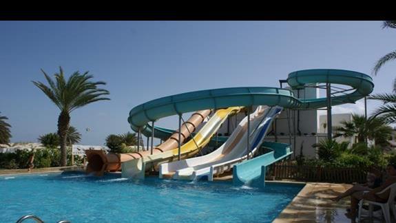 Basen ze zjeżdzalniami Hotelu Fiesta Beach