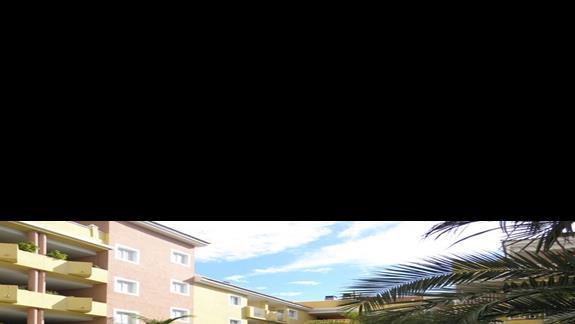 Basen glówny hotelu Costa Caleta