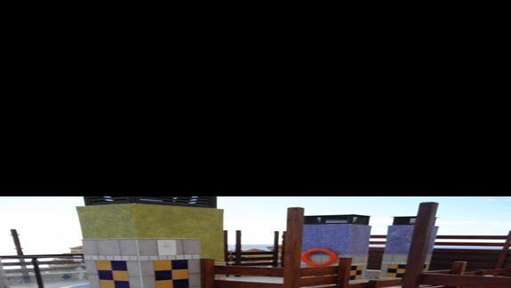 Jacuzzi na dachu hotelu Costa Caleta