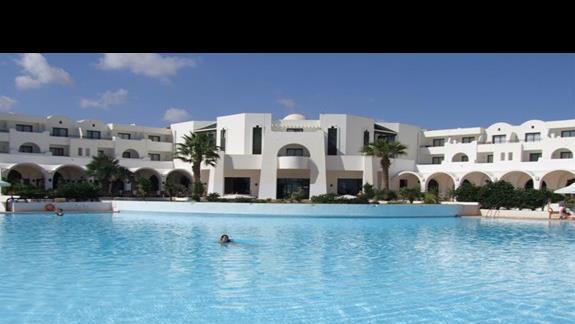 Basen Hotelu Riu Palm Azur