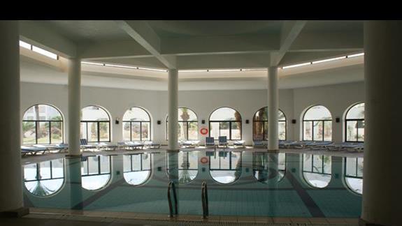 Kryty basen Hotelu Riu Palm Azur